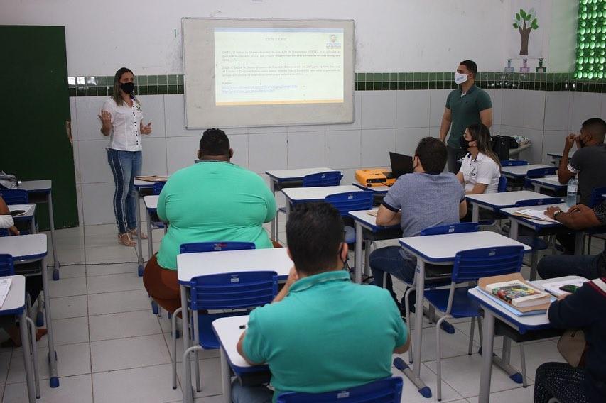 Formação Continuada para Professores de Matemática e Português